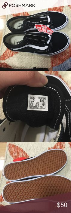 Vans Classic Never Worn! Just bought it! the laces is inside Vans Shoes Sneakers