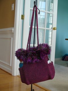 Ravelry: Felted Purse Tote with Side Pockets pattern by Jennifer Pace, Pipp's Purses