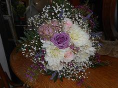 Wedding Bouquet #wedding #orangevillewedding #bridalbouquet #orangevilleflorist #orangevillewedding #florist #stunning #dalhia #rose #babiesbreath Orangeville Ontario #hydrangea #lavender