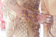 Malay wedding and if you need a marriage officiant call me at (310) 882-5039 https://OfficiantGuy.com