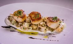 Caramelized diver scallops with cauliflower, toasted barley and wild mushrooms. #ChronicleTop100