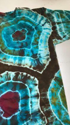 Diy Crafts Hacks, Cute Crafts, Ice Tie Dye, Tie Dyed, Diy Tie Dye Designs, Diy Tie Dye Techniques, Diy Fashion Hacks, Tie Dye Crafts, Tie Dye Patterns