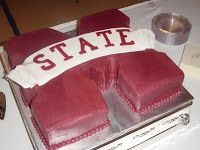 mississippi state grooms cake.......could do ULM like this