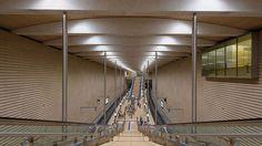 Eine Kosten-Nutzen-Rechnung.Mehrere neue S-Bahnlinien, dadurch weniger Autos und zudem ein attraktiveres Stadtzentrum – der umstrittene City-Tunnel in Leipzig öffnete bereits 2013, jedoch nicht ohne Gegenstimmen. Auch in Leipzig ist das Spiel ähnlich wie bei anderen Großbauprojekten in Deutschland: Der Bau dauerte vier Jahre länger als geplant, die Kosten stiegen ins Unermessliche und der Nutzen ist in der Bevölkerung stark umstritten – vier Kilometer Tunnel für eine knappe Milliarde Euro.
