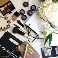 Image via We Heart It https://weheartit.com/entry/143903632 #beige #Brushes #chanel #eyeshadow #flower #lipstick #mac #nailpolish #necklace #palette #bobbibrown #makeuo