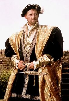c6088ce4d004 The late Robert Shaw as Henry VIII in black   gold costume in A Man For All  Seasons