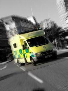 En Europa han fallecido más de 25.000 personas mientras esperaban a los servicios de urgencia. Con esta medida se podrán llegar a salvar unas 2.500 vidas al año. El sistema eCall se pondrá en contacto con los servicios de emergencia en el momento del accidente para que los especialistas evalúen la situación de los pasajeros y puedan actuar con mayor eficacia.