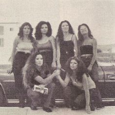 Chola Style and Culture: 40 Fascinating Vintage Photos of Latina Gangs in Southern California From the and ~ vintage everyday Latino Girls, Arte Lowrider, Tupac Pictures, Chola Girl, Cholo Style, Brown Pride, Cute Comfy Outfits, Girls Hand, Photography Backdrops