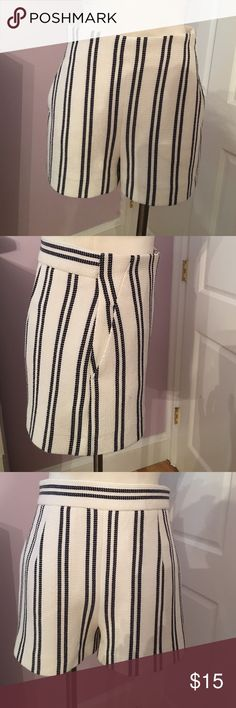 Zara shorts Beautiful black and white shorts side zipper lined in the front very nice Zara Shorts