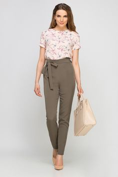 Looking for Trousers & Leggings? Call off the search with our High Waisted Bow Tailored Pants In Khaki. Shop unique fashion at SilkFred Pink Pants, Unique Fashion, Sash, New Look, Capri Pants, Trousers, Boutique, Style Noir, Model