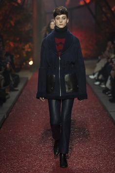 Hermès #VogueRussia #readytowear #rtw #fallwinter2018 #Hermès #VogueCollections