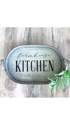 DIY video Farmhouse Metal Tray Made with Chalk Couture transfer and Chalkology Paste Chalk Crafts, Wood Crafts, Dollar Store Crafts, Crafts To Sell, Fun Craft, Chalk Design, Diy Wood Signs, Metal Trays, Chalkboard Art