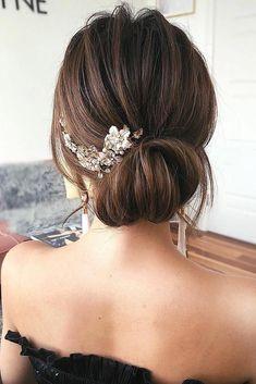 wedding hairstyles with tiara Hochzeitsfrisuren mit Tiara Curly Wedding Hair, Elegant Wedding Hair, Vintage Wedding Hair, Wedding Hair Down, Fall Wedding, Debs Hairstyles, Wedding Hairstyles For Long Hair, Loose Hairstyles, Medium Long Hair