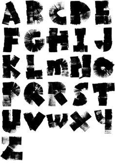 Alfabeto creado con un rodillo de tinta para tipos móviles // Ink Roller Alphabet by Chris Madden