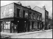 Berner Street circa This photo shows the street looking much the same as it did during the time of Stride's murder in Her body was found just inside the entrance to Dutfield's Yard, which was located just below the wagon wheel seen in this photograph. East End London, Old London, Preston, Who Is Jack, Jack Ripper, Victorian London, Vintage London, Victorian Era, Ripper Street