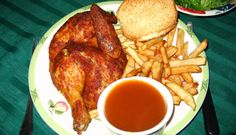 Poulet BBQ, style St-Hubert Oh Yum! Best chicken anywhere! Roast Chicken Recipes, Bbq Chicken, Turkey Recipes, Chicken Wings, Poulet Kentucky, Low Budget Meals, Crispy Fried Chicken, Canadian Food, Chicken And Dumplings