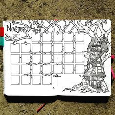 metro_boulot_bujo Prête pour le mois de novembre ! J'ai gardé l'idée du noir et blanc en référence à ma page de début de mois ! Pour le dessin, je me suis inspirée d'une image découverte sur Pinterest appelée Tom's house et qui m'avait beaucoup plu!