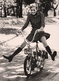 """probably not merely a """"joyful girl"""", it's probably Twiggy!***********joyful girl on a bicycle shared by ridingpretty"""