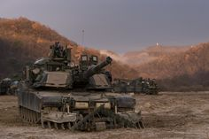 High quality images of the military (from all countries). M1 Abrams, Tank Destroyer, Armored Fighting Vehicle, Us Army, Usmc, South Korea, Military Vehicles, Adventure, Pictures