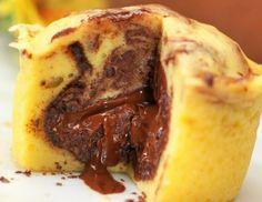 Marmoriertes Schokosoufflé mit Soft-Chilikern Rezept Chili, Dessert, French Toast, Muffins, Breakfast, Food, Kuchen, Cling Film Wrap, Food Food