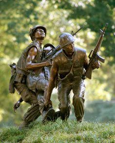 NC Vietnam Veterans Memorial Statue