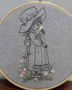 여전히 이쁜 소녀들만 보면 수놓고 싶어진다... 점점 더 아기자기 이쁜것들이 좋아지는건 나이 탓일까!  #일러스트자수#일러스트자수수업#일러스트꽃자수 Silk Ribbon Embroidery, Embroidery Thread, Embroidery Designs, Crewel Embroidery, Hand Embroidery Patterns, Cross Stitch Embroidery, Needlepoint, Thread Painting, Hand Sewing