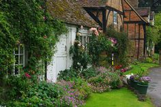 englishcottagedreams: Cottages - Turville (BBCs Dibley) (by gary.hadden) — FUCKITANDMOVETOBRITAIN