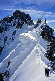Climbers on Rochefort ridge, Mont Blanc Massif, France (by Alpine Light & Structure).