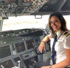Female Fighter, Fighter Pilot, Flight Girls, Pilot Uniform, Becoming A Pilot, Airline Pilot, Female Pilot, Gas Turbine, Airline Flights
