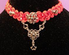 Trachten Perlen, Swarovski Biconen und Spitzenband alles Artikel bei Perlensucht erhältlich Swarovski, Charmed, Bracelets, Jewelry, Fashion, Oktoberfest, Beads, Bangles, Jewlery