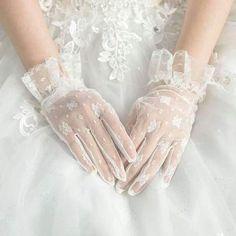 Ivory lace gloves, lace gloves, Wedding gloves, bridal gloves, short g – Oktypes Estilo Lolita, Wedding Gloves, Bride Gloves, Accesorios Casual, Princess Aesthetic, Lace Gloves, White Aesthetic, Mode Hijab, Ring Verlobung
