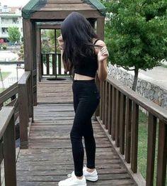 Pinterest : @graydaisyxx Simple Girl Image, Beautiful Girl Photo, Cute Girl Photo, Beautiful Girl Image, Girl Photo Poses, Girl Poses, Teen Girl Photography, Photography Poses Women, Stylish Girls Photos