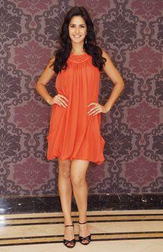No one is supposed to be so much beautiful. Katrina Kaif Images, Katrina Kaif Hot Pics, Katrina Kaif Photo, Bollywood Stars, Bollywood Fashion, Fashion Wear, Womens Fashion, Most Beautiful Bollywood Actress, Dress Outfits