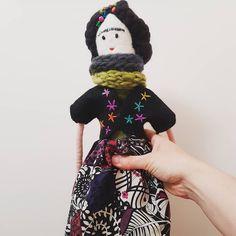 Hand made felted art doll Textile Artists, Art Dolls, Winter Hats, Felt, Textiles, Disney Princess, Disney Characters, Handmade, Hand Made