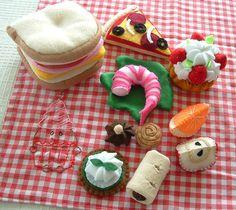 Felt Food - Picnic goodies by lisajhoney, via Flickr