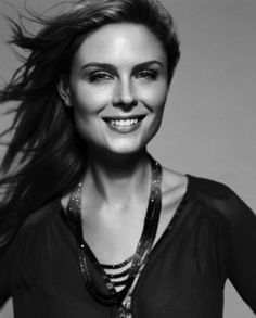 Emily Deschanel, love her!