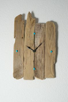 ~ Treibholz - Wanduhr ~ von nordic Art a. Wood Projects That Sell, Wood Projects For Beginners, Small Wood Projects, Woodworking Projects That Sell, Woodworking Plans, Nautical Clocks, Wood Nails, Nordic Art, Diy Clock