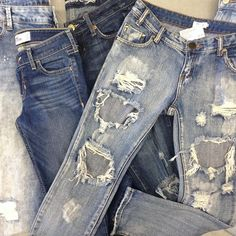 Got the Monday blues? Sell us your denim! We'll give you cash on the spot for your gently used clothing #iloveplatoskw #sellusyourstuff #cashonthespot #denimlove | www.platosclosetkitchener.com