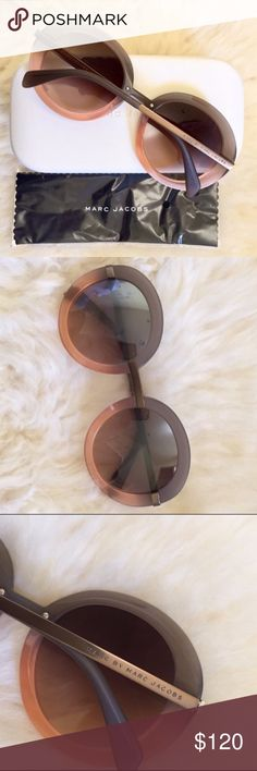 Marc By Marc Jacobs Oversized Ombré Sunglasses New With Tags- Women's oversized round sunglasses with gray-pink acetate frames and rose-gray lenses with 100% UVA-UVB protection. Hard case and cleaning cloth included. Marc By Marc Jacobs Accessories Sunglasses