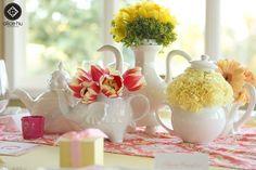 decoracao cha panela louças brancas flores