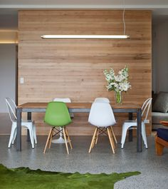 Designer Peta Davy from Yellowfox used timber extensively in her own home and says she wouldn't have a project that doesn't use timber. Timber Walls, Timber Panelling, Decor Interior Design, Interior Styling, Interior Decorating, Small Houseboats, Timber Feature Wall, Types Of Timber, Character Home