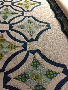 I can do this freehand. Great quilting.