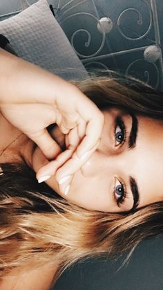 Simply click the link for more info on eye makeup tutorials Skin Makeup, Beauty Makeup, Hair Beauty, Vsco Pictures, Natural Makeup Looks, Girl Photography Poses, Foto Pose, Pretty Eyes, Pretty People