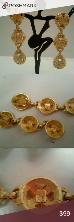 Vintage Elee Gold and Rhinestone clip earrings! You are viewing a listing for a beautiful pair of vintage Elee Gold and Rhinestone clip earrings! 3.4 inches long. Excellent condition! elee Jewelry Earrings