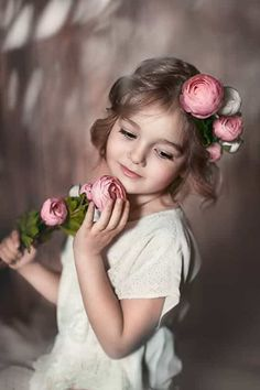 Shared by ℓυηα мι αηgєℓ ♡. Find images and videos about girl, cute and beautiful on We Heart It - the app to get lost in what you love. Beautiful Little Girls, Beautiful Children, Beautiful Babies, Cute Baby Pictures, Girl Pictures, Baby Photos, Baby Kind, Cute Baby Girl, Cute Babies