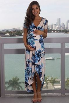What better way to let your family know a baby is on its way, than with this Ivory and Blue Floral High Low Dress with Short Sleeves from Bump Girl! We love the print on this cute floral maternity dress! Beautiful Maternity Dresses, Blue Floral Maxi Dress, Maternity Dresses For Baby Shower, Floral Maternity Dresses, Floral High Low Dress, Maternity Fashion, Baby Dress, Cute Dresses, Short Dresses