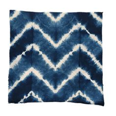 Information and DIY Shibori and Indigo instructions. FAQ about how to make an indigo vat. Tie Dye Folding Techniques, Fabric Dyeing Techniques, Shibori Fabric, Shibori Tie Dye, How To Tie Dye, How To Dye Fabric, Tie Dye Sheets, Tie Dye Bedding, Tie Dye Crafts