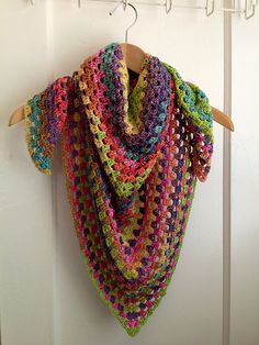 Ravelry: Project Gallery for Half Granny Square Shawl pattern by Anastacia Zittel by rosalyn Crochet Shawls And Wraps, Crochet Poncho, Love Crochet, Crochet Scarves, Beautiful Crochet, Crochet Clothes, Shawl Patterns, Crochet Patterns, Crochet Gratis