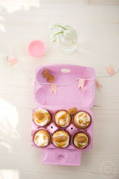 minicupcakes, cupcakes, frosting, caramell, sweet, delicious