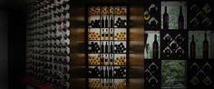 Pared en bodega de vinos -  bodega en casa Wines Suite   #bodegaencasa #vinoteca #bodegaprivada #bodegadevinos #vino #winessuite #bodegadeguarda  🍾 🍾  Wines Suite - Bodega en casa 🍾🍾  more photos in http://www.winessuite.com/
